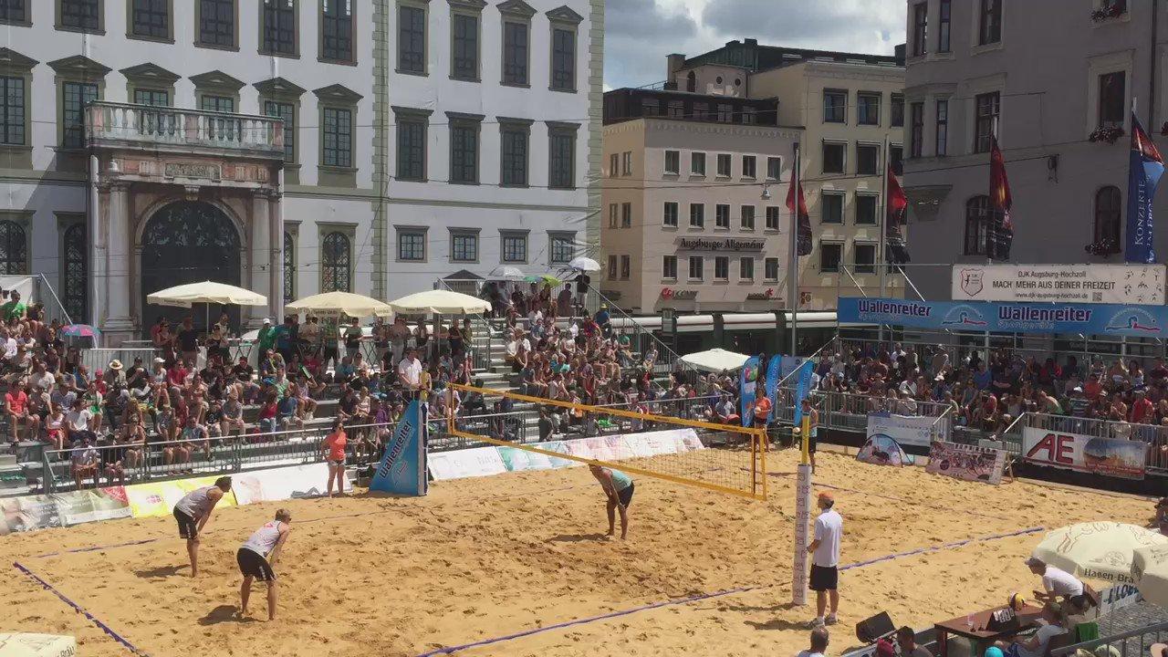 Bayerische Beachvolleyball-Meisterschaften mitten in der Stadt. Mehr auf Snapchat @az_augsburg #Augsburg #Beach https://t.co/34Ygr7gTrI