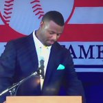 Awesome speech full of love for Seattle. Goosebumps city when this happened. #GriffeyHOF #HOFJR #Mariners @Mariners https://t.co/XibYnGigHj