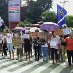 True Colors Coalition Spokesperson Jhay De Jesus leads the rally at Mendiola #SONADu30 @inquirerdotnet | @_lyssfy https://t.co/tohVQeLsFW