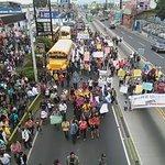 Protesta avanza por Calzada Aguilar Batres, paraliza servicio del Transmetro Video: Erick Ávila Vía: @Bvasquez_pl https://t.co/NVUwSdlUKc