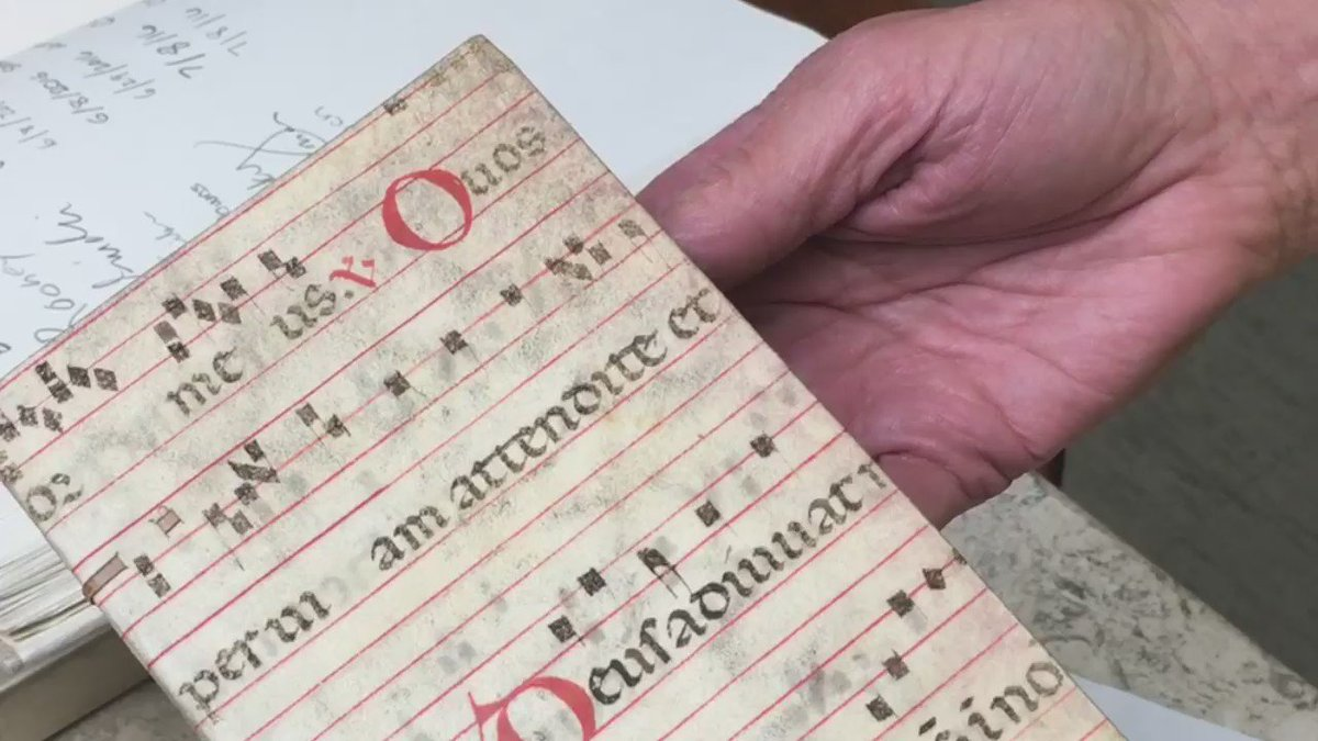 Book binders would occasionally recycle #print and #manuscript waste for the same book! #bookbinding https://t.co/o3UUOACIqk
