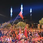 Cumhurbaşkanlığı Külliyesi önünde vatan ve demokrasi nöbetinin 10. günü... https://t.co/BjxhKt6AnB