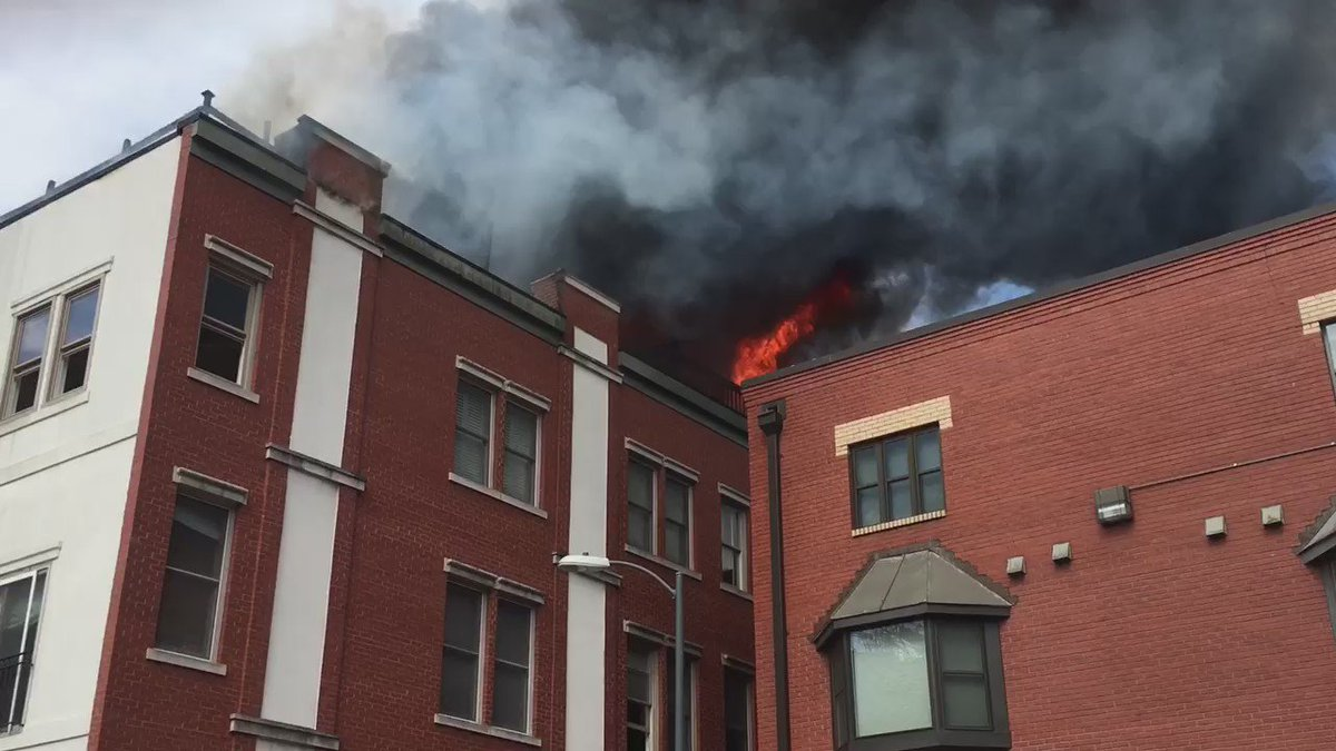 1300 block 12 St NW is now a 2 alarm fire https://t.co/vV88cJieaD