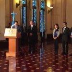 Presidente @jimmymoralesgt presenta a la nueva ministra de Salud, Lucrecia Hernández Mack. https://t.co/DQZuAuIfli