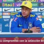 ¿Cuál es su compromiso con la selección? Tras la pregunta, Neymar gambeteó al periodista hasta dejarlo grogui https://t.co/rVWh4r3jg5