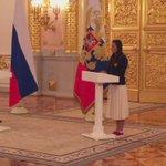 Исинбаева расплакалась на проводах спортсменов на Олимпиаду https://t.co/Q7BKCJsEH2