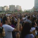 Тысяча человек поет вместе с Вольским. И одну из самых знаменитых песен! https://t.co/cyzCuvBH64
