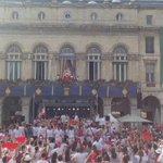 Les #FDB2016 sont ouvertes place de la Liberté #Bayonne avec le roi Léon ! https://t.co/6NKD2T0MH6