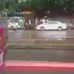 Caought on CCTV: Lightning struck in Sadar Bazar, #Gurgaon on Wednesday when it rained, none hurt. Awesome! Scaring! https://t.co/lSfYzLbaHZ