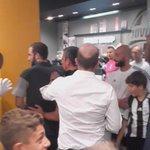 Scene fantastiche al #JStore! #PipitaLive https://t.co/DIri8TOgbt