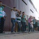 Nuestros #AbonadosGuerreros disfrutando de sus beneficios en el #EntrenamientoSantista ✌ https://t.co/eOSq4OJ5Ov