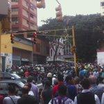 #29Jul saquean camión de harina, la central, tienda de electrodomésticos. En la av lecuna, estación teatros! https://t.co/gdPIkyTxVx