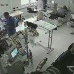 خلاف بين مريضين في غرفة غسيل الكلى ينتهي بسكب مادة حارقة وإشعال النيران . مما أدى لوفاة جميع المرضى 💔 https://t.co/ayGKkGfC7D