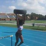 Así entrena @yvette_lewis en los últimos días previo a los Juegos Olímpicos de #Rio2016 #PowerWoman 💪 https://t.co/qO9L2FOjPc