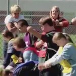 Как поступают дети с синдромом дауна, когда один из них падает на соревнованиях   Урок для всех людей! https://t.co/2ypRq8DJ76
