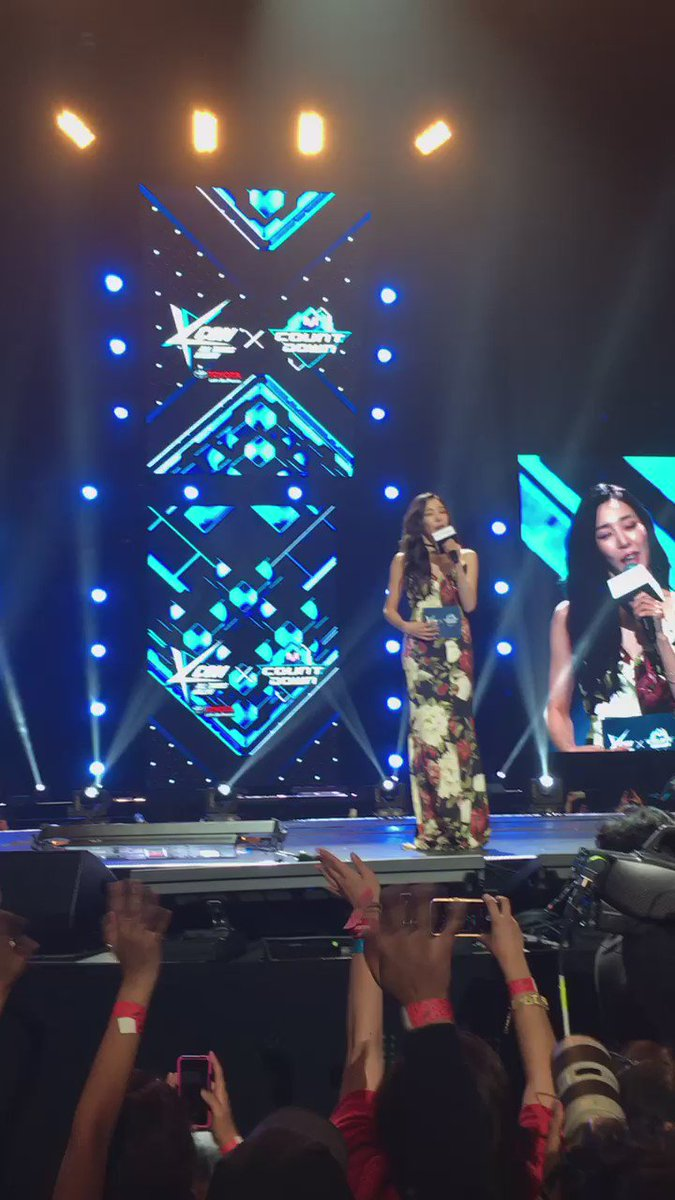 Tiffany introduces #KCON16LA @kconusa #happybirthdaytiffany https://t.co/njKgQMOKaY