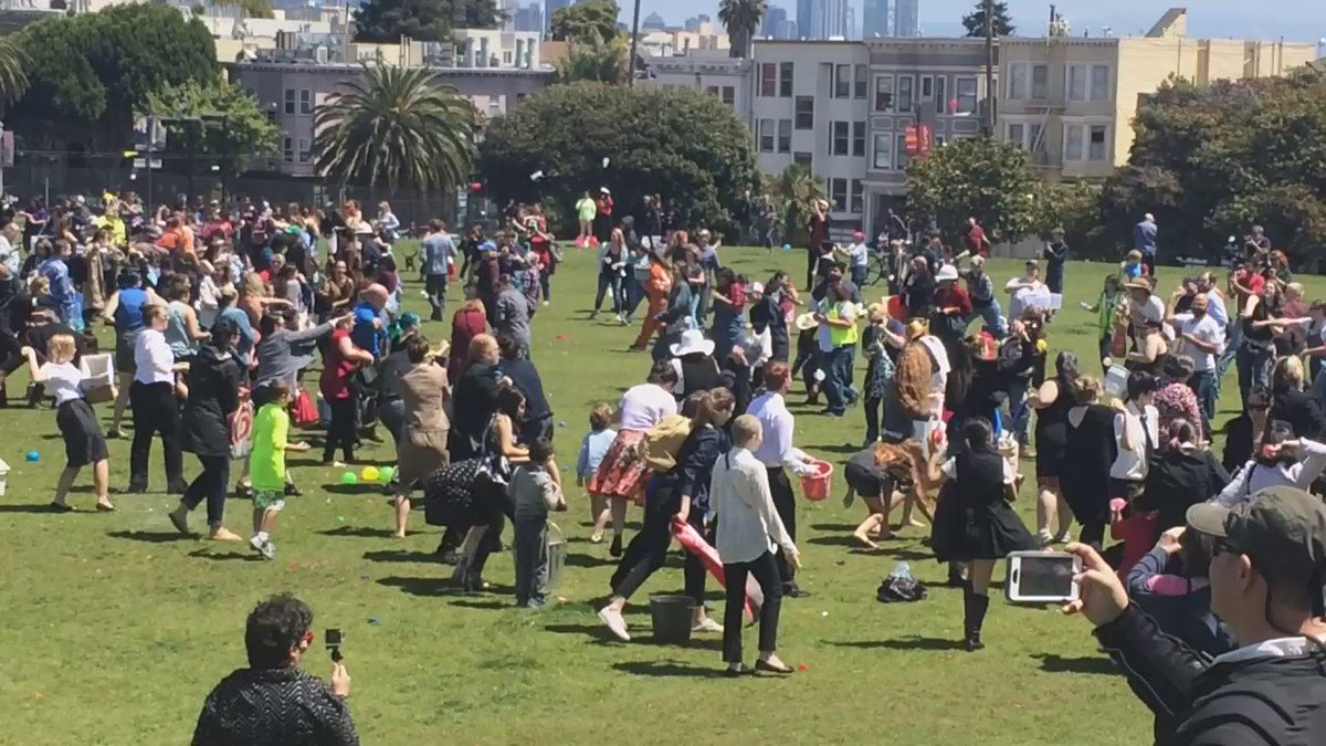 """Video from the #gishwes """"class war"""" water balloon fight in Dolores Park! https://t.co/lPsXlEnM28"""