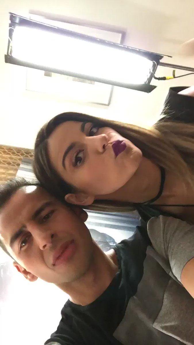 VIDEO: Mi @MaiteOficial PRONTO en @programa_hoy #Yeah #Adicta   AMO la nueva rolaaaaaa!!! https://t.co/cvYr8zeYf6 https://t.co/wktQUPfpnE