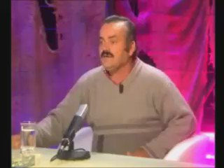 Assistent Maurits Hendriks klapt uit de school #yuri #lordofthedrinks #heineken https://t.co/PqiJ6pzJOG