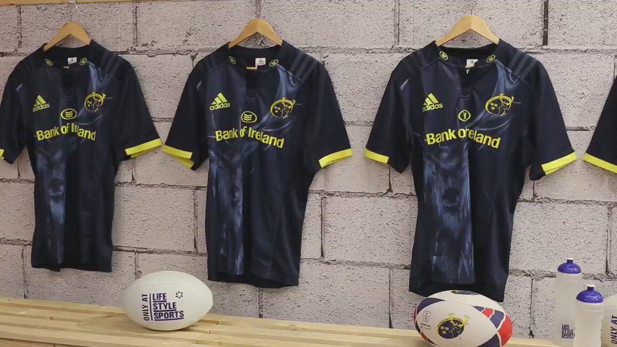 Head over to our new comp to vote for your school/club's socks to be worn by @Munsterrugby vs NZMaori #MunsterRising https://t.co/4RJiaO3oCl