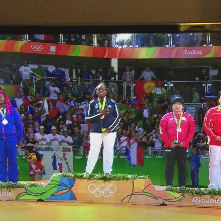 Rien à dire. Elle m'a donné des frissons Emilie!!! #judo https://t.co/wU8LzR5fCf