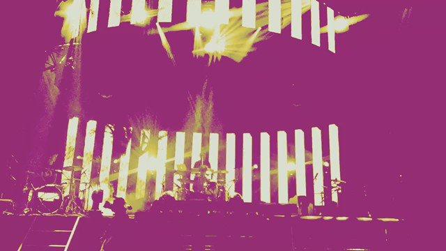 """minus(-)live2016""""summervoltare""""@赤坂BLITZお越しの皆様、ニコ生でご参加いただきました皆様ありがとうございました。とても感慨深い日でした。ケンさん来てましたよね?クネクネしてましたよね? RH動画☟ https://t.co/RjZR9OkoDw"""