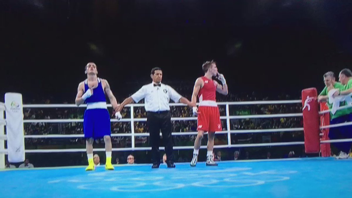 The Boss!!! Belfast's @mickconlan11 #IRL takes EVERY round to send Aram Avagyan #ARM home. #TeamIreland #boxing https://t.co/MQeUjjN21w