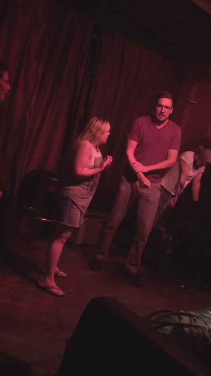 @PitchPleaseLA is the final performance of the night! #MusicalImprov #VarietyShow #MomsBar https://t.co/iXpVTwWHqQ