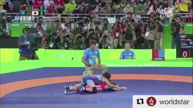 This is how a Japanese girl wrestler saluted her coach after winning gold at Rio !!! https://t.co/so39qOttmC