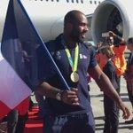 Nos champions sont de retour en France ! Premières images à leur descente de lavion #RetourRio @FranceOlympique https://t.co/jQVVouPO4t