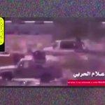 قلناها .. المقاتل السعودي لا يرمي سلاحه والبدلة ويهرب عند اول طلقه،..  فيديو يثبت  من تصويرهم https://t.co/rSKf1KAzIJ
