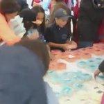 В Якутске жадная толпа за считанные минуты сожрала торт, предназначенный для детей сирот. #здесьхорошо https://t.co/7nM29p8WpP