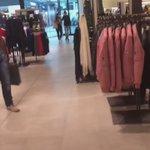 En Galicia, España @laliespos y #Soy suenan fuerte en las tiendas de Zara 😍💖🎶💣 Que gusto comprar así! #Soy https://t.co/i2yNlaO6l7
