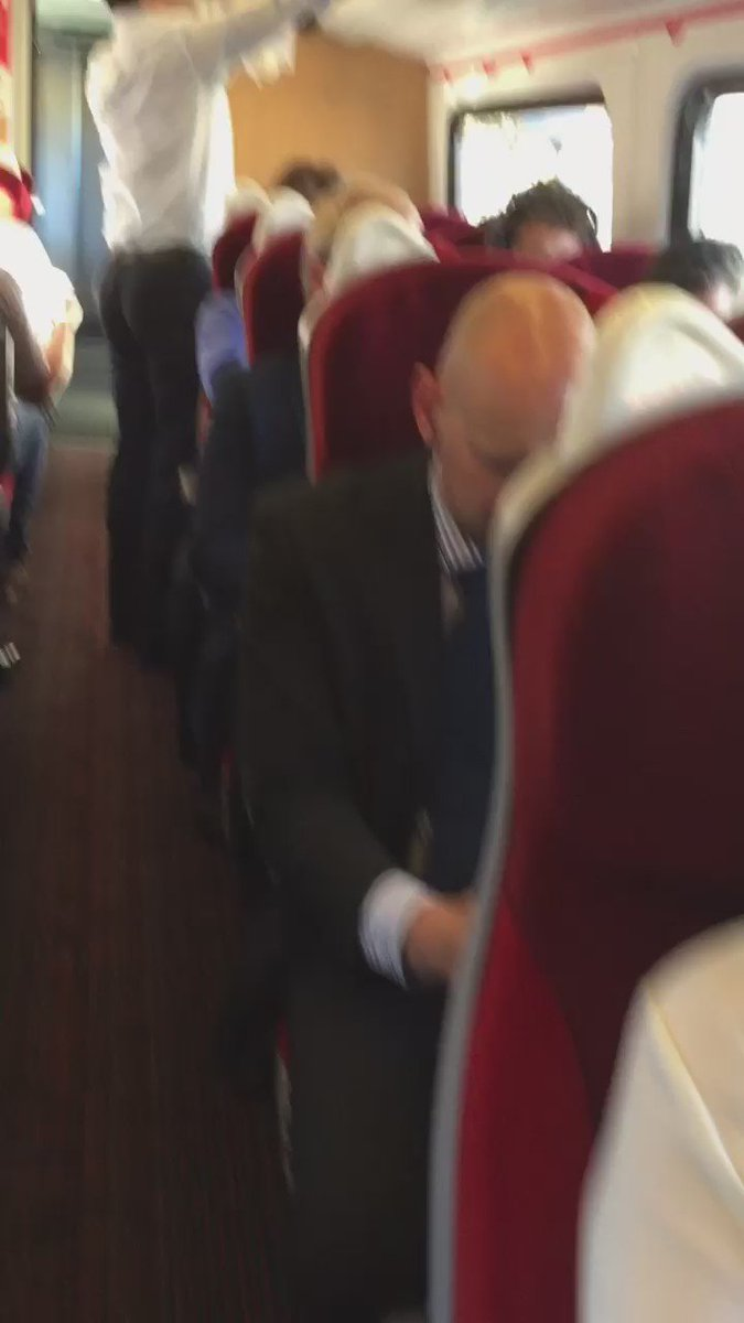 First free seat I've found on my Virgin Train was in the coach where air conditioning had broken down! #traingate https://t.co/TjEVyqPw1q