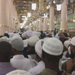 Tens of thousands of people visit the tomb of Prophet Muhammed (PBUH) 24/7 in Madinah. VIDEO #AbramjeeOnHajj https://t.co/eTpkpQljLP