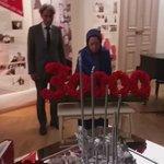#مريم_رجوي تتفقد معرض 30 الف ضحية بمناسبة ذكرى مجزرة عام 1988 #ايران #Justice1st  #1988massacre https://t.co/IprgSa1Tyz @Maryam_Rajavi_A