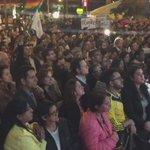 Así aplauden los colombianos a Humberto de la Calle y equipo negociador. Infinitas gracias! #AdiósALaGuerra https://t.co/JAUIN5ADhP
