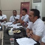 Kadisbudpar Aceh juga menjelaskan sekilas terkait Aceh sbg destinasi wisata halal dlm konfren #acehrapaifest https://t.co/FP8oMb3kVt