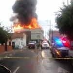 Así en estos momentos el incendio en la bodega en San Miguel de Huentitán; @PCYBOMGDL no reportan lesionados. https://t.co/MGBVkvTpG4