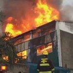 Bomberos intentan sofocar incendio en fábrica de plásticos en Av. Artesanos y Abundancia en la col. Santa Cecilia. https://t.co/8Ok6l0Rm1r