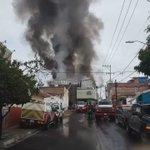 200 personas evacuadas tras incendio en bodega de plásticos en colonia Santa Cecilia en #Guadalajara @1070noticias https://t.co/QqH5ZdrtKE