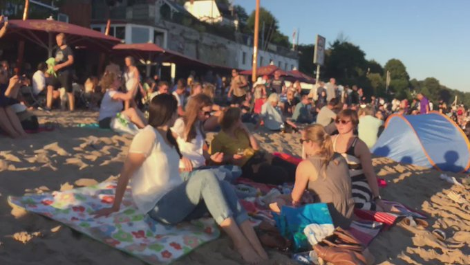Elbe Beach - no words necessary #summer #hamburgahoi https://t.co/lrkUZeAJM7