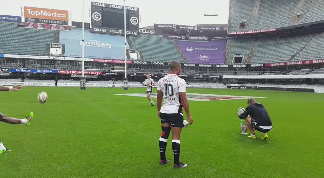 @TheSharksZA boys refining some kicking skills in the rain!! https://t.co/kYgFFHwTV1