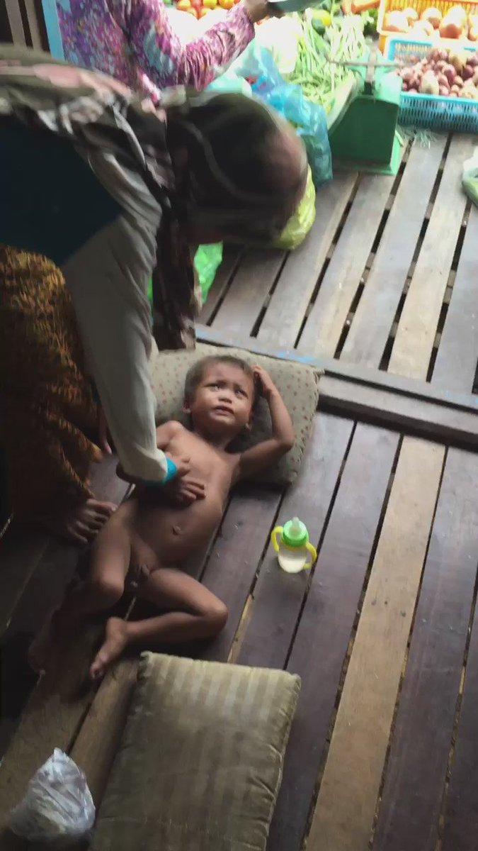 لوددت أن يرى هذا المقطع لمدة دقيقة الأغنياء ومن حباهم الله بالمال ليساعدوهم كمبوديا وكيف يعيش المسلمون❗️ رتوتهالتصل https://t.co/VGXxCftoHY
