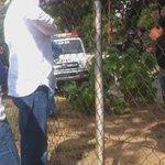 Me quería llevar preso funcionario encapuchado en el Sebin de La Guaira mientras se llevaban a delegación de Ecuador https://t.co/zMzJBnklfF