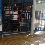 A través de #WasapeaAELHERALDO reportan daños en la estación de Transmetro Esthercita Forero https://t.co/JXqKsfKzjT