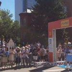 本日北海道マラソンの「ファンラン部門」のゴールテープ係をレバンガ北海道「レバード君」・エスポラーダ北海道さんから「リスポ君」が勤めてさせて頂きました‼️ #レバンガ北海道 #エスポラーダ北海道 #北海道マラソン https://t.co/fuqo8wbA6C