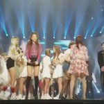 EXOs Chanyeol make his way to the front and BLACKPINK saw hiw then Bowed ㅋㅋㅋㅋㅋㅋㅋ so qt! https://t.co/Y5uWTNKCfg