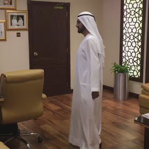 عاجل : محمد بن راشد يقوم بجولة صباحية على دوائر دبي الحكومية ويكتشف بأن مدرائها وكبار مسؤوليها لم يكونوا متواجدين https://t.co/RgMxfpNQYG