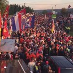 7.15h at Spa: huge crowd of orange fans at entry at Les Combes, near the Max Verstappen merchandise trailer. Crazy! https://t.co/PLuX5w8MnO